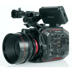 Маленькая кинокамера Panasonic EVA1 с записью в 4K/60p